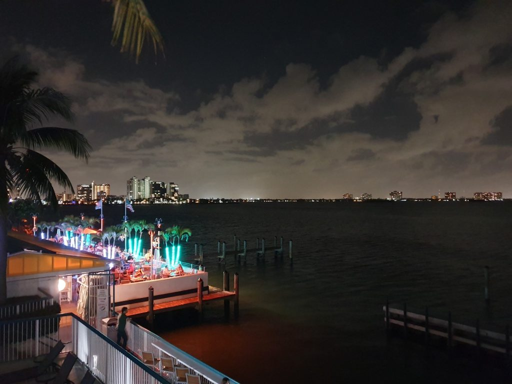 Shuckers Waterfront Bar & Grill